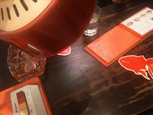 金魚カフェ:ソファ席