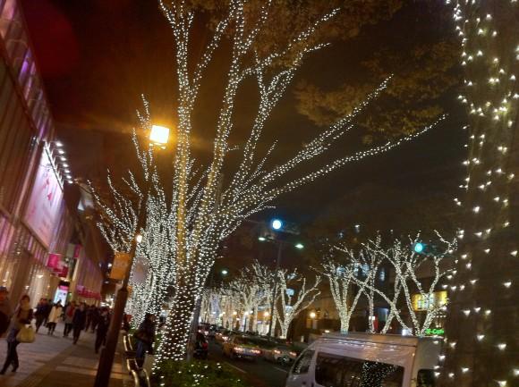 表参道ヒルズ前の欅並木イルミネーション
