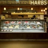 HARBS有楽町店のショーウィンドウ