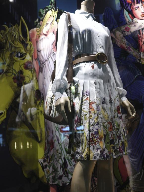 徐倫のドレスはGUCCIのクルーズコレクション
