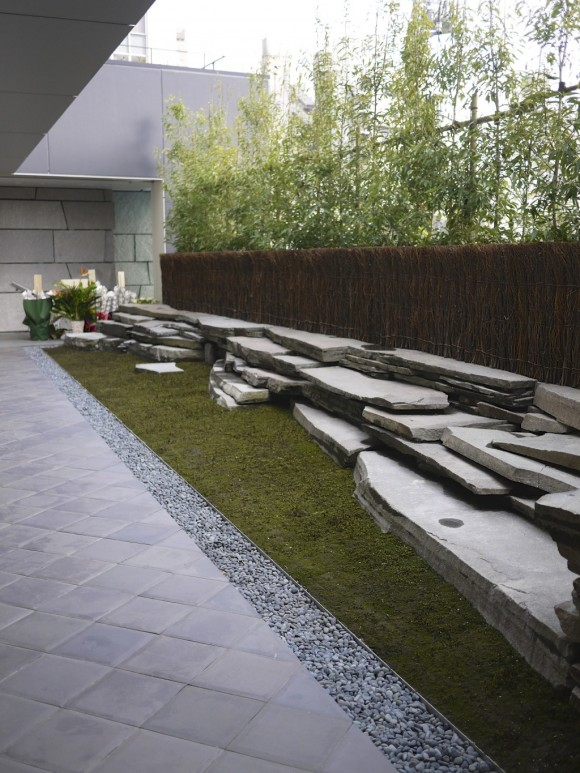 和カフェ「茶酒 金田中」の苔庭