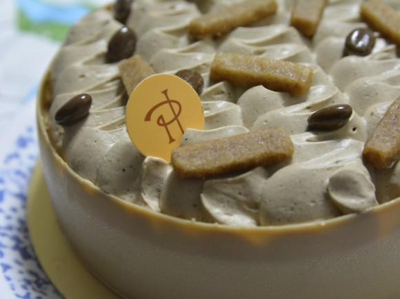 ピエールエルメのMokaホールケーキ