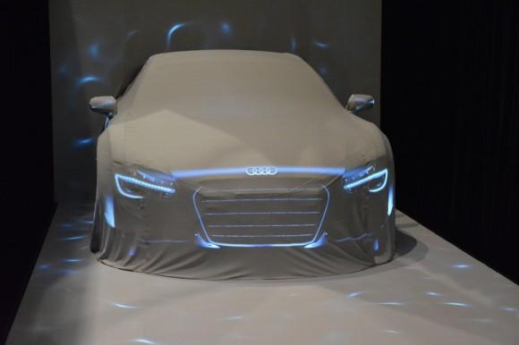 Audiをスクリーンに