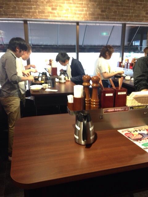 いきなりステーキ渋谷桜丘店の店内