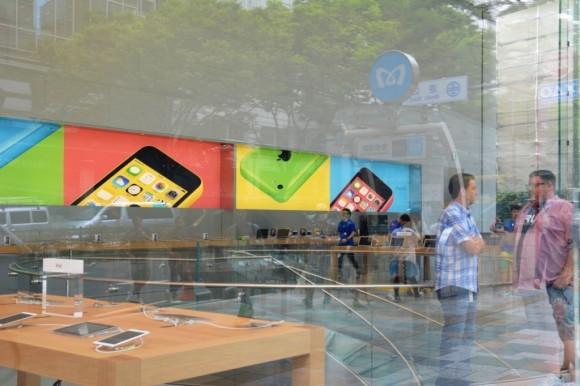 AppleStore表参道の店内
